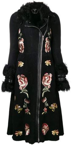 Grab your coat. From Burberry and Max Mara to Gucci, the Farfetch edit of single breasted coats for women seriously on point. Alexander Mcqueen Clothing, Women Wear, Coat, Long Sleeve, Floral, Sleeves, Stuff To Buy, Shopping, Clothes