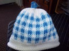 Ravelry: Baby Hats pattern by Marji LaFreniere Baby Hat Knitting Patterns Free, Baby Hats Knitting, Crochet Baby Hats, Knitting For Kids, Crochet For Kids, Knitted Hats, Free Pattern, Free Knitting, Knitting Projects