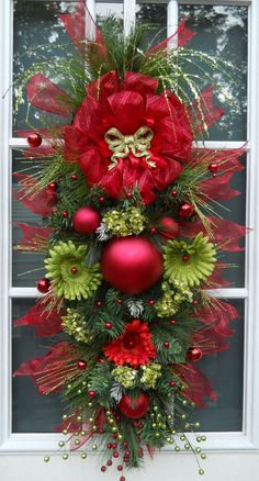 My Christmas Decor Styles: Front door wreath - personalized. I need to do this and put all my fake flowers to use. Christmas Mesh Wreaths, Christmas Swags, Christmas Door, Merry Christmas, All Things Christmas, Christmas Holidays, Holiday Crafts, Holiday Decor, Creation Deco