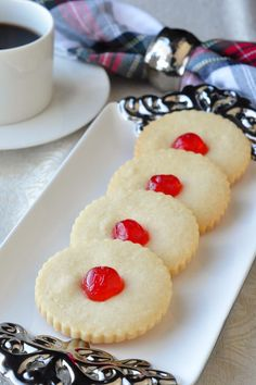 Old Fashioned Shortbread Cookies - it's back to basics with a 5 ingredient recipe for buttery shortbread cookies are just like your grandmother would make. A simply perfect cookie.