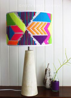 Round Lampshade - unique hand woven colorful, geometric neon shade - Para el hogar - Lamp with embroidery (thread and wire base) - Lampe Crochet, Deco Marine, Creation Deco, Diy Chandelier, Lamp Shades, Home Design, House Colors, Bunt, Diy Furniture