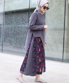 Abaya Style 491666484304251413 - ebru-gider-tesettur-stil Source by Fashion Week, Girl Fashion, Fashion Outfits, Fashion Design, Fashion Trends, Hijab Style, Hijab Chic, Abaya Style, Modest Wear