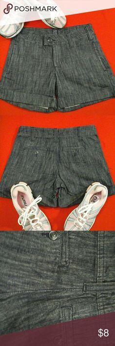 Woman's Shorts size 0 Dark blue denim shorts size 0 unknown  Shorts Jean Shorts