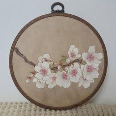 Dress Painting, Fabric Painting, Fabric Art, Asian Flowers, Korean Painting, Fabric Paint Designs, Art Corner, Korean Art, Vintage Embroidery