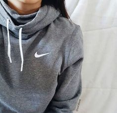 37 Ideas how to wear hoodies outfits cheap nike Only Fashion, Look Fashion, Teen Fashion, Runway Fashion, Fashion Trends, Fashion Shoes, Nike Fashion, Fashion Women, Fashion 2018