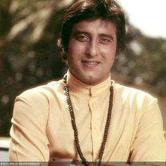 50 Handsome Hunks in Bollywood: Vinod Khanna 100 Years of Indian Cinema Vintage Bollywood, Indian Bollywood, Bollywood Style, Bollywood Actors, Bollywood Celebrities, Vinod Khanna, Film Icon, Film World, India Images