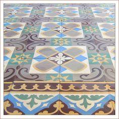 Encaustic Tiles » Collar City Brownstone