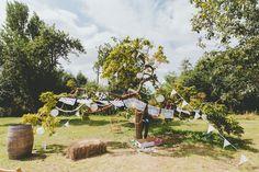 Relaxed Picnic Wedding in Somerset: Bella & Matt · Rock n Roll Bride