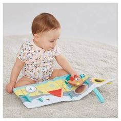 Follow the map for a camping adventure! Soft baby books give little ones a whole world to explore! Simply unfold the pages for an interactive story. An adorable bear pops out to travel along the way. Crinkle pages, baby-safe mirror, squeaker and fun texture flaps engage baby.