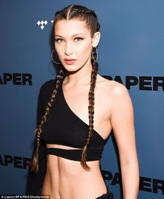 Bella Hadid's Workout Routine: Goes Swimming To Look Perfect In A Crop Top Bella Hadid Paper, Bella Gigi Hadid, World Most Beautiful Woman, Most Beautiful Models, Beautiful Women, Vogue Uk, Workout Hairstyles, Hairstyles Haircuts, Victoria Secrets