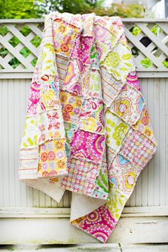 SALE OFF Bright and Colourful Twin Single Kumari Garden Rag Quilt I am working on five different rag quilts right now… first time making them and I am liking how t Quilting Projects, Quilting Designs, Sewing Projects, Fabric Crafts, Sewing Crafts, Cute Blankets, Patchwork Blanket, Textiles, Rag Quilt