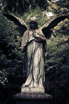 Old Graveyard in Erkelenz, Germany, photo by Kilh on deviantart