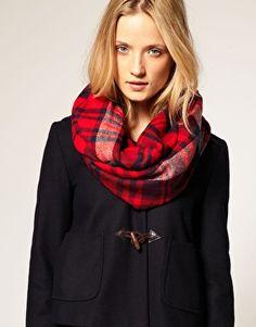 lemonadeandivy:    winter wear ~  toggles & tartan.