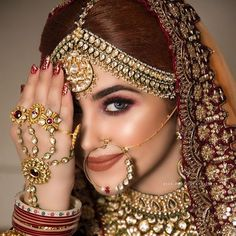 Do you want to get a simple and subtle look for your wedding ? Let your subtle and graceful look make him fall for you again! Look perfectly gorgeous with the best suited makeup tailored to your needs! Indian Wedding Couple Photography, Indian Wedding Bride, Indian Wedding Makeup, Bride Photography, Indian Wedding Jewelry, Bridal Jewellery, Indian Makeup, Indian Bridal Photos, Indian Bridal Outfits