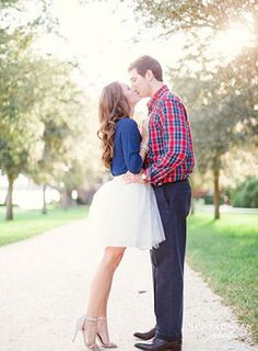 A+Preppy+Red,+White,+and+Blue+Engagement+Shoot+|+Hunter+Ryan+Photography+|+See+More!+http://heyweddinglady.com/bridal-styling-secrets-from-my-favorite-fashion-blogs/