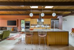 Remaking midcentury modern in Portland - Curbedclockmenumore-arrow : One couple loved their 1950s era home, and they wanted more of the same
