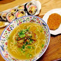 特製スープで作りました♡ *ぶた味噌ラーメン *ピーマンのお浸し *コロッケ *近所のスーパーの特上巻き - 6件のもぐもぐ - ぶた味噌ラーメン by yukibo