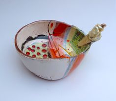 Medium bowl with twist handle © Linda Styles Ceramics 2014