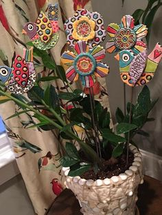 5 Tips and Tricks to Improve Your Pottery Skills – Voyage Afield Ceramic Birds, Ceramic Flowers, Clay Flowers, Ceramic Pottery, Pottery Art, Ceramic Art, Polymer Clay Creations, Polymer Clay Crafts, Diy Clay