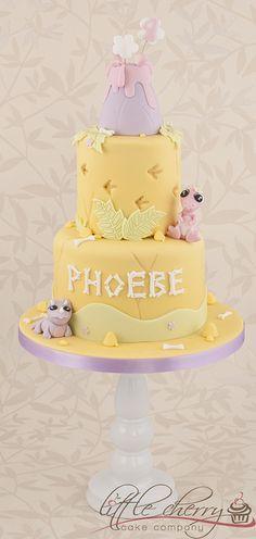 Baby Dino Cake by Little Cherry Cake Company, via Flickr