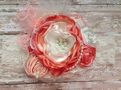 Flor de albaricoque en la venda superior, diadema de la couture, sobre el arco superior, venda del bebé, diadema de flor, diadema de ott, melocotón y coral