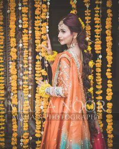 New Awesome Bridal Photoshoot of Zarnish Khan Bridal Mehndi Dresses, Desi Wedding Dresses, Bridal Dress Design, Bridal Outfits, Bridal Style, Asian Wedding Dress Pakistani, Indian Wedding Bride, Pakistani Formal Dresses, Wedding Pics