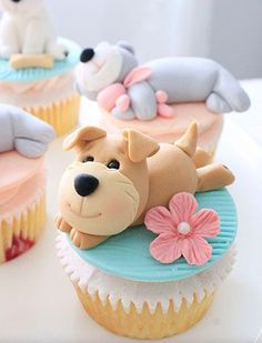 Fondant art workshop in Pune. Learn to cake and cupcake decoration using fondant. And how to bake Red Velvet cupcakes as well. Fancy Cakes, Cute Cakes, Mini Cakes, Puppy Cupcakes, Cupcake Cookies, Cupcake Toppers, Cupcake Cupcake, Fondant Toppers, Fondant Cupcakes