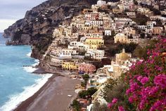 Positano Italy - 20 Amazing Places to See in Your Lifetime Italy Places To Visit, The Places Youll Go, Places To See, Merida, Sorrento To Positano, Wonderful Places, Beautiful Places, Amazing Places, Siena Toscana