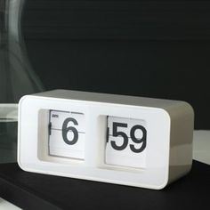 $35 digital flip clock by Torre & Tagus