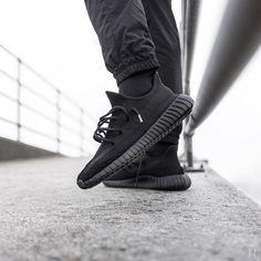 "adidas Originals Yeezy 350 V2 Boost ""Blackout Customs"""