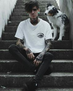 Ahh what a beautiful dog! Nomad Fashion, Grunge Fashion, Urban Fashion, Mens Fashion, Chica Cool, Sitting Poses, Photography Poses For Men, Man Photo, Stylish Men