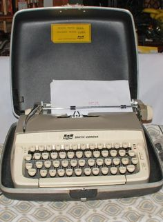 Vintage Manual Typewriter Portable Smith Corona Galaxie Tan with Case New Ribbon. The condition is very good. There is some smudges on the case. The typewriter it's self a Childhood Images, Childhood Days, School Memories, Great Memories, Art Nouveau, Vintage Typewriters, Antique Boxes, Palette, The Good Old Days