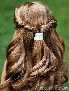 Easy Half-Up Twist Hairstyle With Braids for American Girl Dolls! (Click through for tutorial)