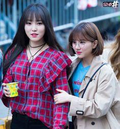 Gfriend Yuju, Korean Group, G Friend, Kpop Groups, Kpop Girls, Girl Power, Lesbian, Rapper, Pin Up