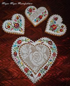Gingerbread Icing, Gingerbread Decorations, Candy Decorations, Valentine Cookies, Holiday Cookies, Valentine Crafts, Valentines, Cookie Icing, Biscuit Cookies