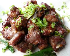 Tia Nguyen: Recipe & Photo Journal: Vietnamese Caramelized Pork Riblets (Suon Heo Rim)