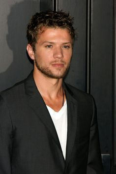 Ryan Phillippe. Been obsessed with him since Cruel Intentions. Just saw it a weeks ago. I know I'm late.