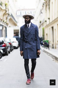 Street style at its finest London Mens Fashion, Guy Fashion, Fashion Moda, Look Fashion, Fashion Trends, Beard Fashion, Fashion Check, Fashion Tips, Sharp Dressed Man