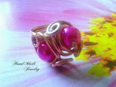 Anillo de Alambre con perlas de cristal  / Aluminum Wire Ring with crystal pearls 4.00  https://www.facebook.com/HandMade.HechoaMano http://bisuteriahechoamano.blogspot.co.uk http://www.etsy.com/shop/HmShop