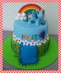 Rainbow Dash my little pony cake by Dulcemelcocha