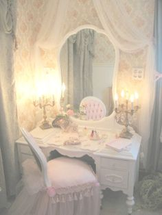 In my daydreams where I'm a Princess...this is how my room would look.