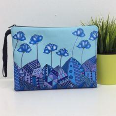 'Blue Tulips' pouchbag. Artwork by Janggeltrekker on Creative United.  Shop this artwork  at : http://ift.tt/2fK5xtZ  #creativeunited #creativeunitedmy  #cuartist #illustration #cufeatured #digitalillustration #art #malaysiaart #instaart #totebag #pillow #pouchbag #merchandise #lokalah #painting #artwork #photoshop #theartlovers #digitalart #flower