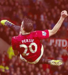Robin van Persie has agreed to sign with Fenerbahce after 3 years at Manchester United. Steven Gerrard, Kun Aguero, Pier Paolo Pasolini, Robin Van, Van Persie, Premier League Champions, Football Is Life, Manchester United Football, Don Juan