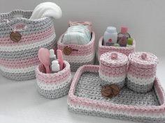 "🍓 Rahatliqla əldə ve mashinda yuyulur, yuyulma prosesi ""HIGHLIGHTS"" bolmesinde gosterilib. Crochet Home, Crochet Baby, Knit Crochet, Crochet Stitches Patterns, Crochet Motif, Crochet Scarf For Beginners, Crochet Sunflower, Knitted Bags, Beautiful Crochet"