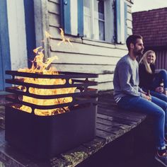 Cube fire basket by Höfats: safe fire basket, whose fire is extinguished by turning it upside down, buy now in the interior design shop. Cubes, Fire Pit Grill, Fire Pits, Fire Basket, Garden Fire Pit, British Garden, Cube Design, Grill Accessories, Fire Bowls