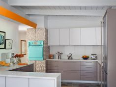 Experience the style of the '50s and '60s by designing a midcentury modern kitchen space.