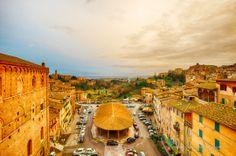 Piazza del Mercato. Foto di Eugene Nikiforov su http://500px.com/photo/59212474