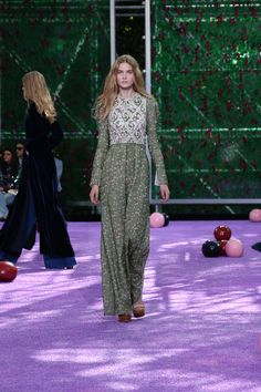 Dior 2015-16AW Haute Couture Collection | Fashionsnap.com