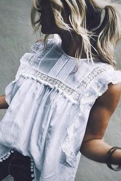 Emilie™ the Gorgeous Off-Shoulder Top Emilie™ the gorgeous Top that's blowing people's minds 💘💘 🔖 Off Flash Sale 🔖 Get it TODAY! Emilie™ the Gorgeous Off-Shoulder Top Mode Hippie, Mode Boho, Blouse Sexy, Blouse Outfit, Sleeveless Blouse, Lace Outfit, Mode Outfits, Fashion Outfits, Fashion Mode