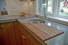 Sink & Cutting Board